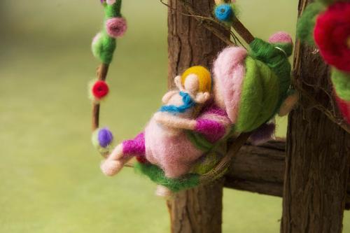 Fate e ninfe dei fiori in lana cardata